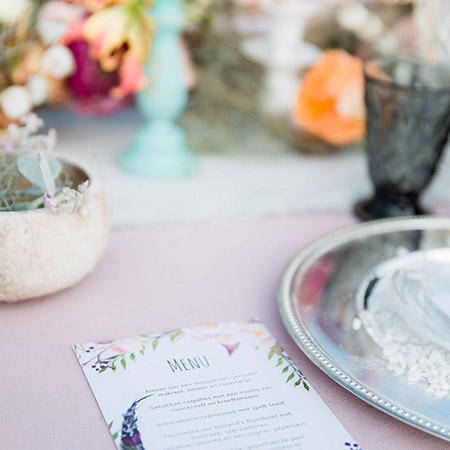 bohemian tafel styling met zachte pasteltinten