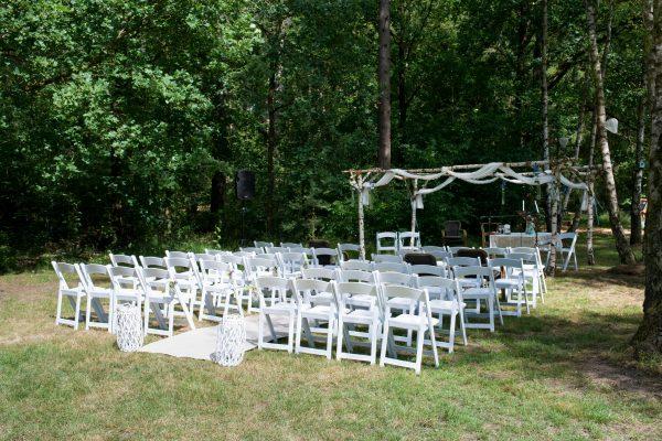 ceremonie in het bos