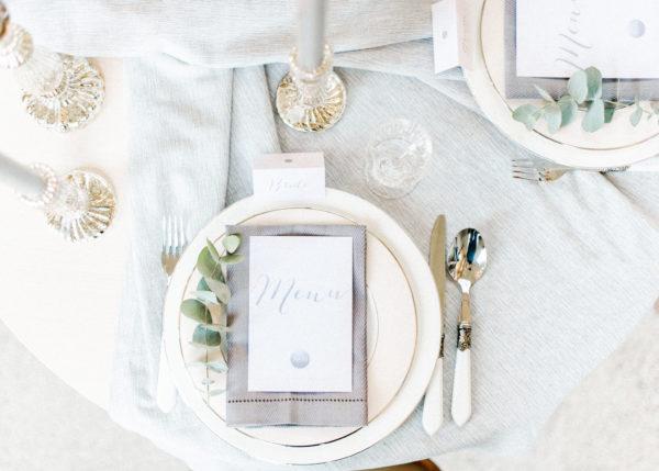 tafel styling met eucalyptus takje